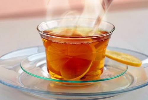 Herbatka z cytrynką równie smaczna jak kawka